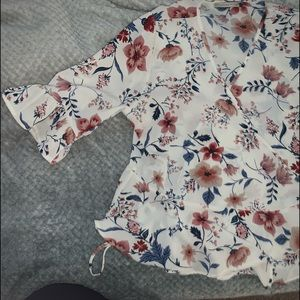 NWOT cute floral blouse
